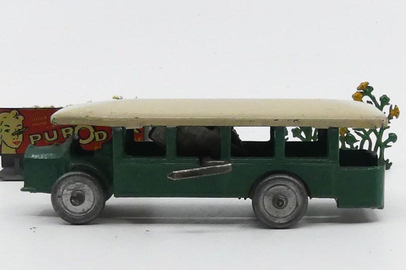 AR Renault TN4H avec pavillon en tôle (version avec mécanisme d'origine)