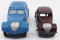 Dinky Toys et JRD Peugeot 402 : la JRD est au 1/43 pas l'autre !