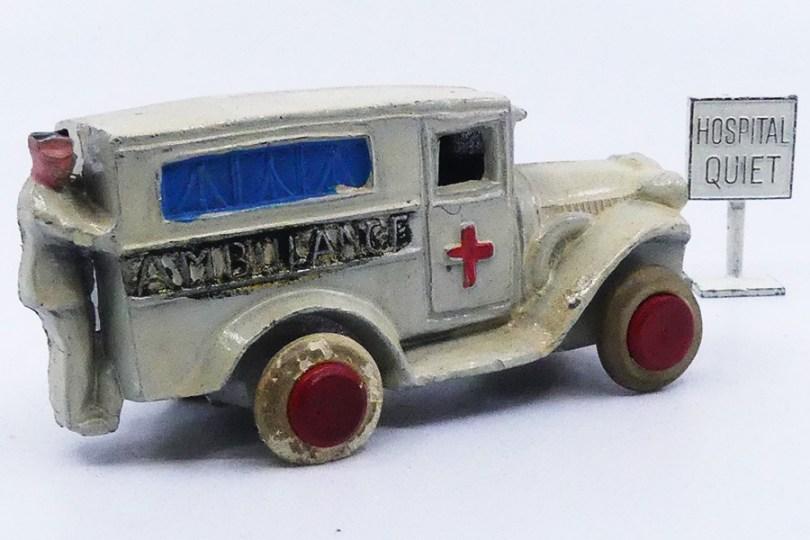 Savoye camionnette ambulance