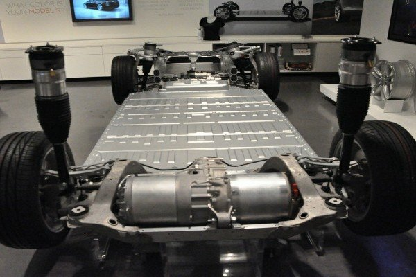 See The Thousands Of Laptop Battery Cells Used In Tesla ...