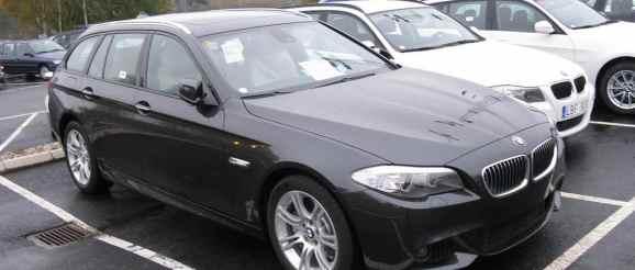 Auskunftsanspruch gegen Gebrauchtwagenhändler bei Unfallschaden