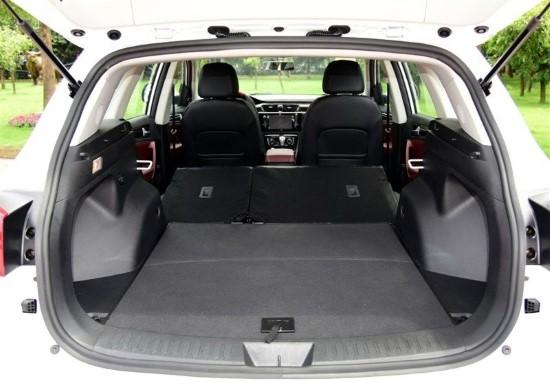 картинки багажник кроссовера Зоти Т600 2016-2017 года