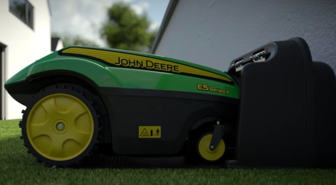 Autocharge Tango robot lawn mower