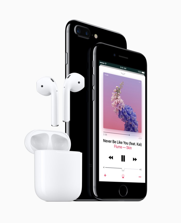 AirPod and IPhone 7