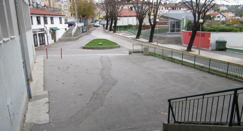 Poligon za gimkanu pred matuljskom školom (snimio M.Krpan)