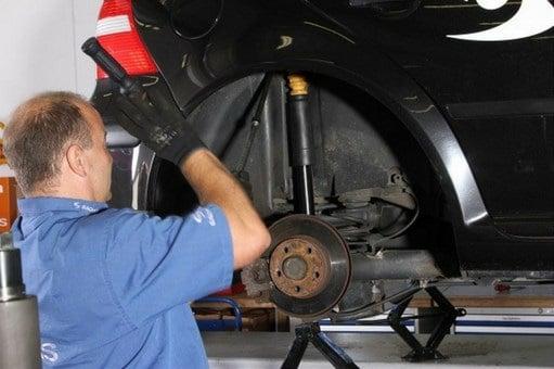 Manual Mazda BT 50 Cambio de Amortiguadores