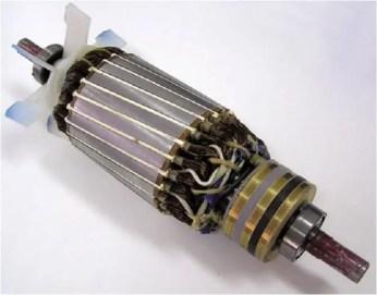 Rotor bobinado con anillos rozantes.