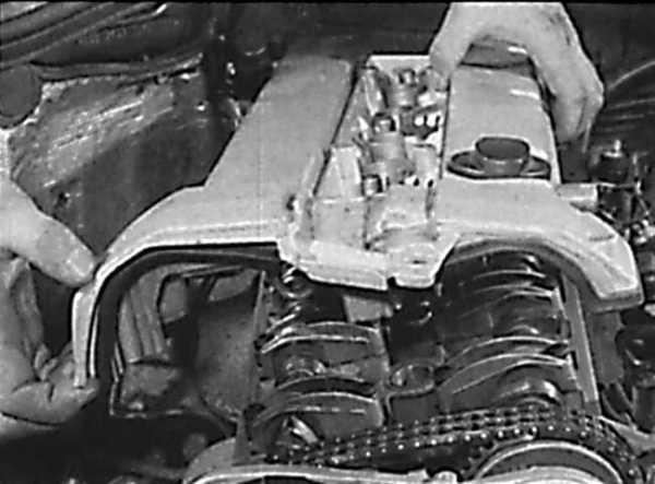 Ремонт Мерседес 124: Крышка головки блока цилиндров ...