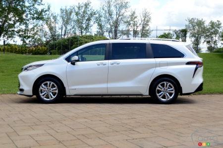 2021 Toyota Sienna, profile