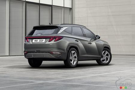 2022 Hyundai Tucson, three-quarters rear
