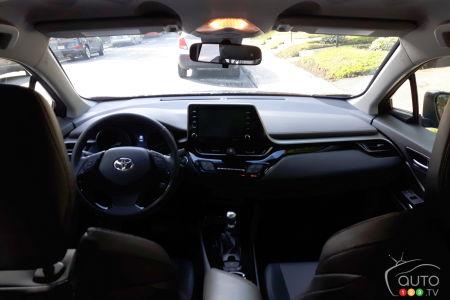 2020 Toyota C-HR, interior