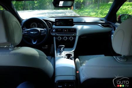 2022 Genesis G70, interior