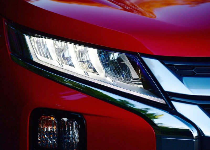 2021 Mitsubishi Outlander Changes Exterior Front angle Headlamps