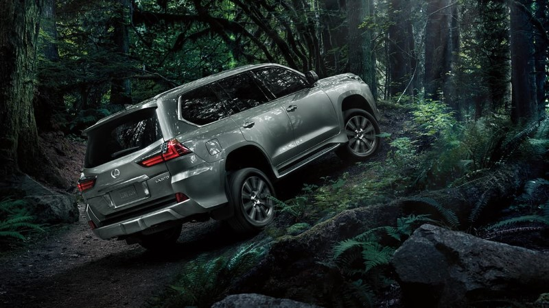 2021 Lexus LX 570 7 Seater SUV - Best 3rd Row SUV in USA