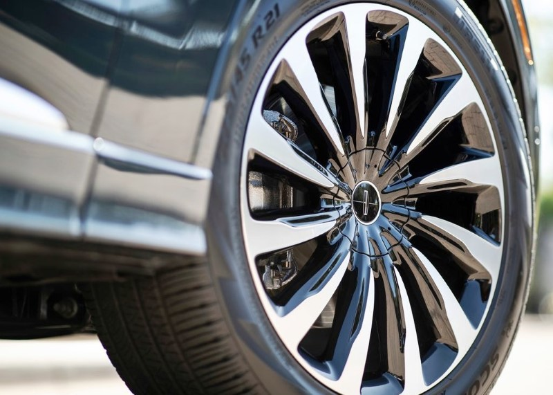 2021 lincoln Aviator Wheel Size and Design