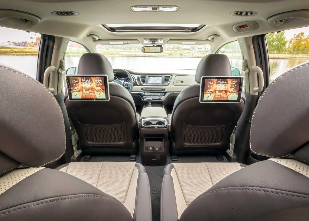 2020 Kia Carnival Captain Seat With Large Headrest Monitor