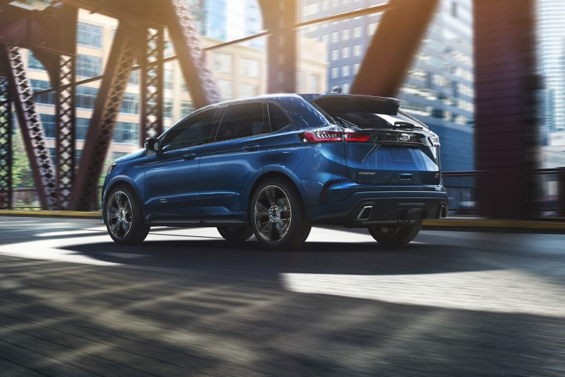 2021 Ford Edge ST Blue Color Dimensions & Size