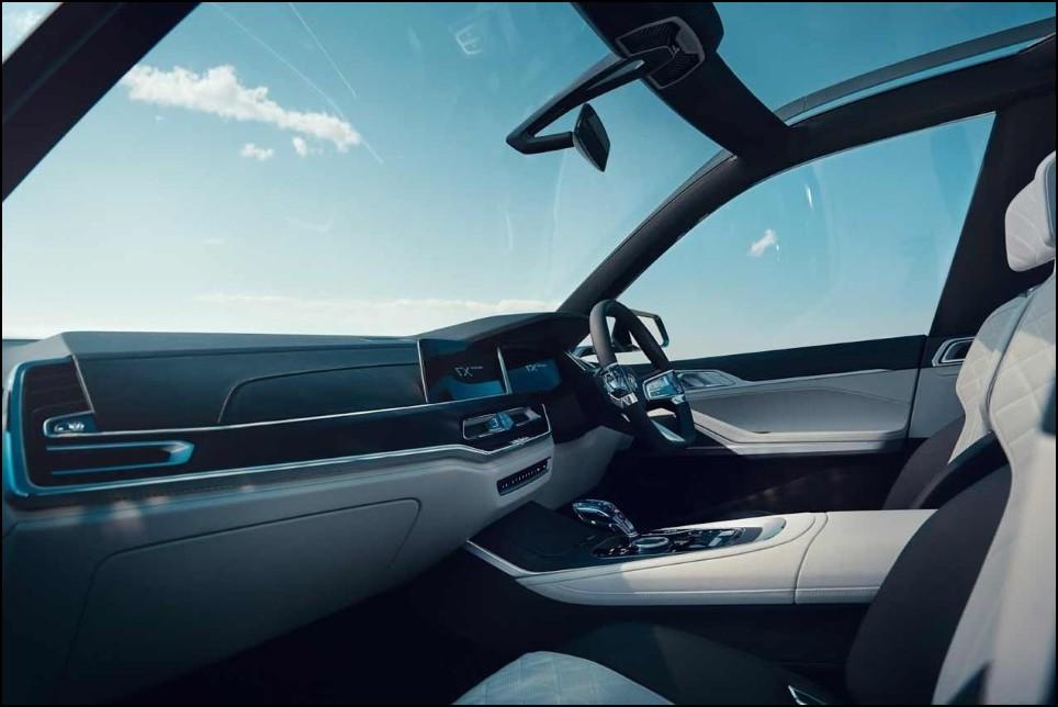 2022 BMW X8 M Interior