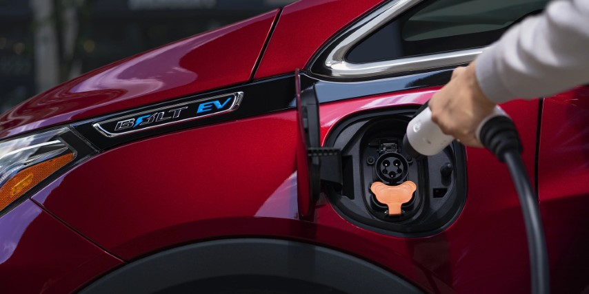 2022 Chevy Bolt EUV Battery Range up to 295 mil