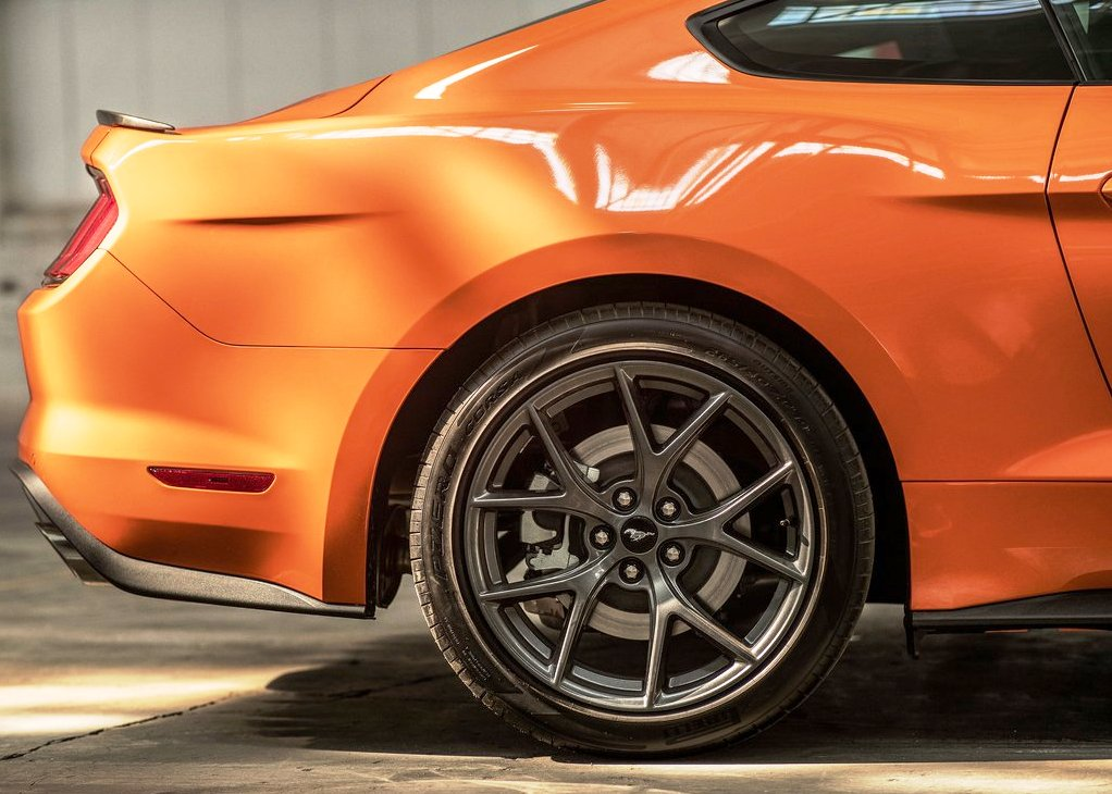 2022 Ford Mustang AWD Specs