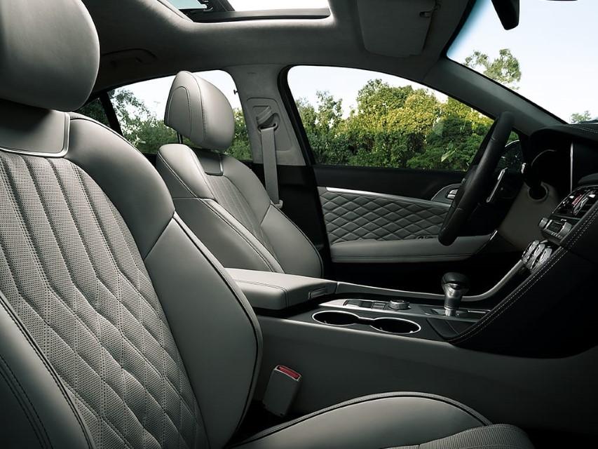 2022 Genesis G70 Interior Premium Leather