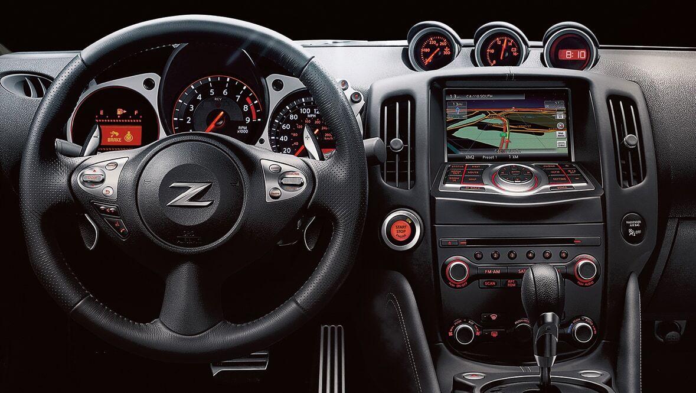 2022 Nissan 380z Dashboard