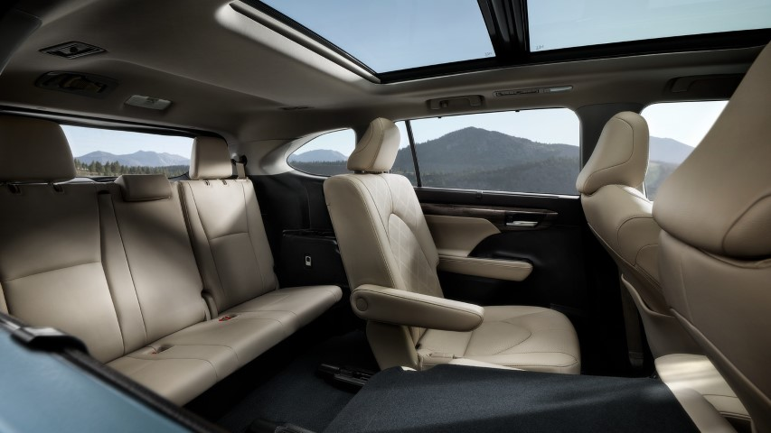 2022 Toyota Highlander Captain Seat