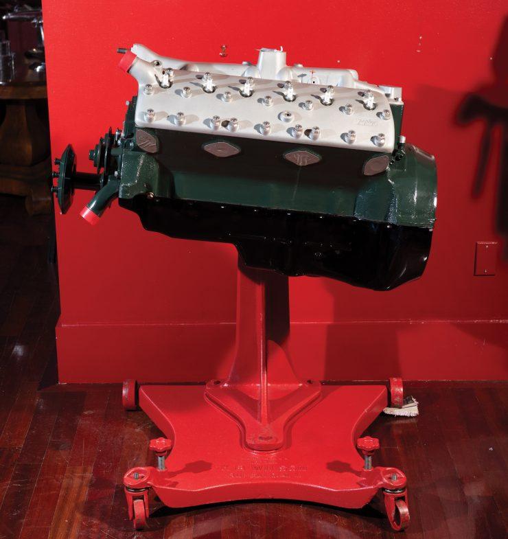lincoln-zephyr-v12-engine-side-740x785