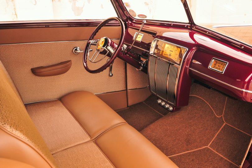14-1940-ford-convertible-walls