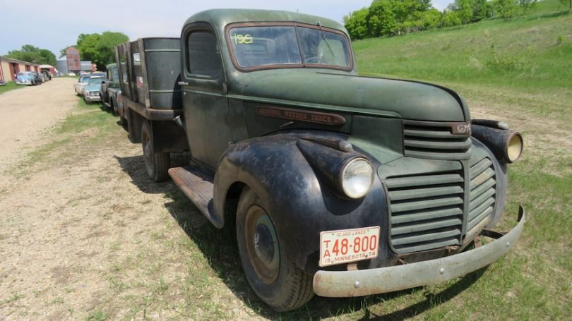 1941-GMC-Flatbed-Pickup-Truck-Front-Three-Quarters