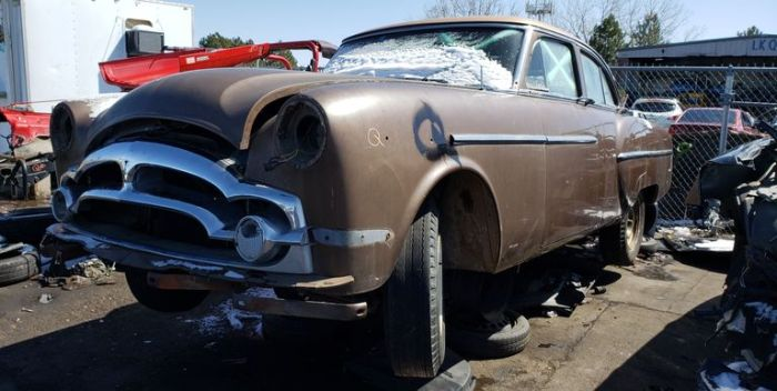 00-1953-packard-in-colorado-junkyard-photo-by-murilee-martin-1589255296