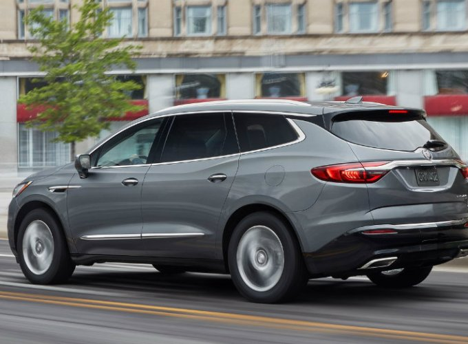 The Buick Enclave is Big, but Agile