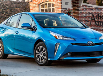 2020 Toyota Prius: The Hybrid Champ Continues