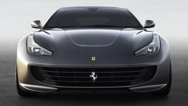 Ferrari_GTC4Lusso_front_lo