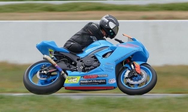 """Ciao Alan Kempster: """"Il pilota che Correva in moto senza il braccio e la gamba destri""""."""