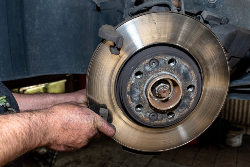why does my car shake when i brake 1