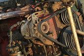 can a bad alternator drain a battery?