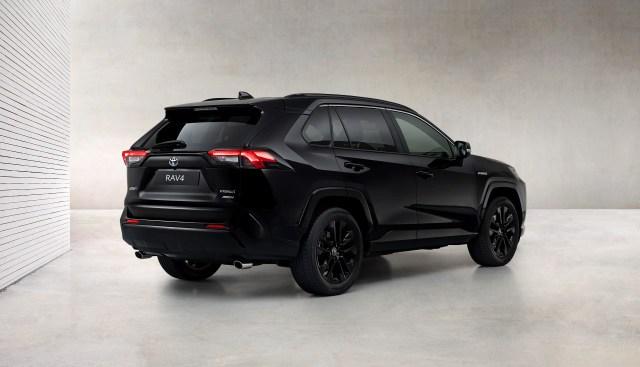 Toyota_RAV4-Black_Edition-3