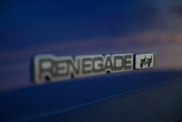 8_Jeep-Renegade-80th-Anniversary