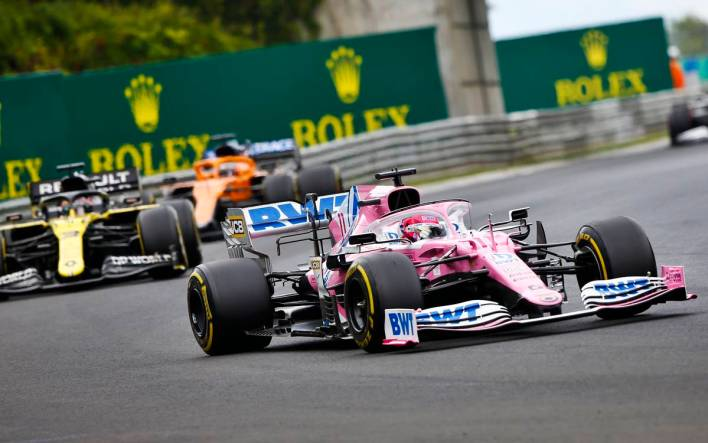 Sergio Perez, Racing Point RP20 and Daniel Ricciardo, Renault R.S.20
