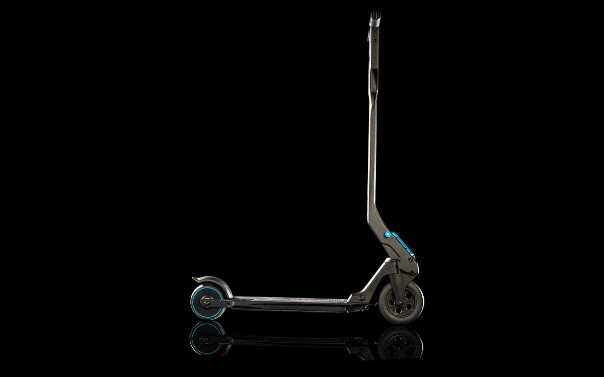 Peugeot Design Lab recibe premio por el e-Kick