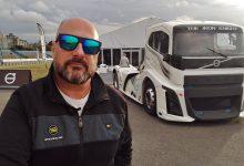 Photo of Una vuelta en el Volvo Iron Knight, el camión más rápido del mundo