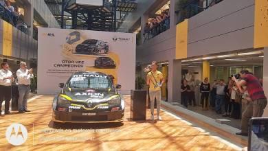 Photo of ???? Leo Pernía festejó su título del Súper TC2000 en las oficinas de Renault