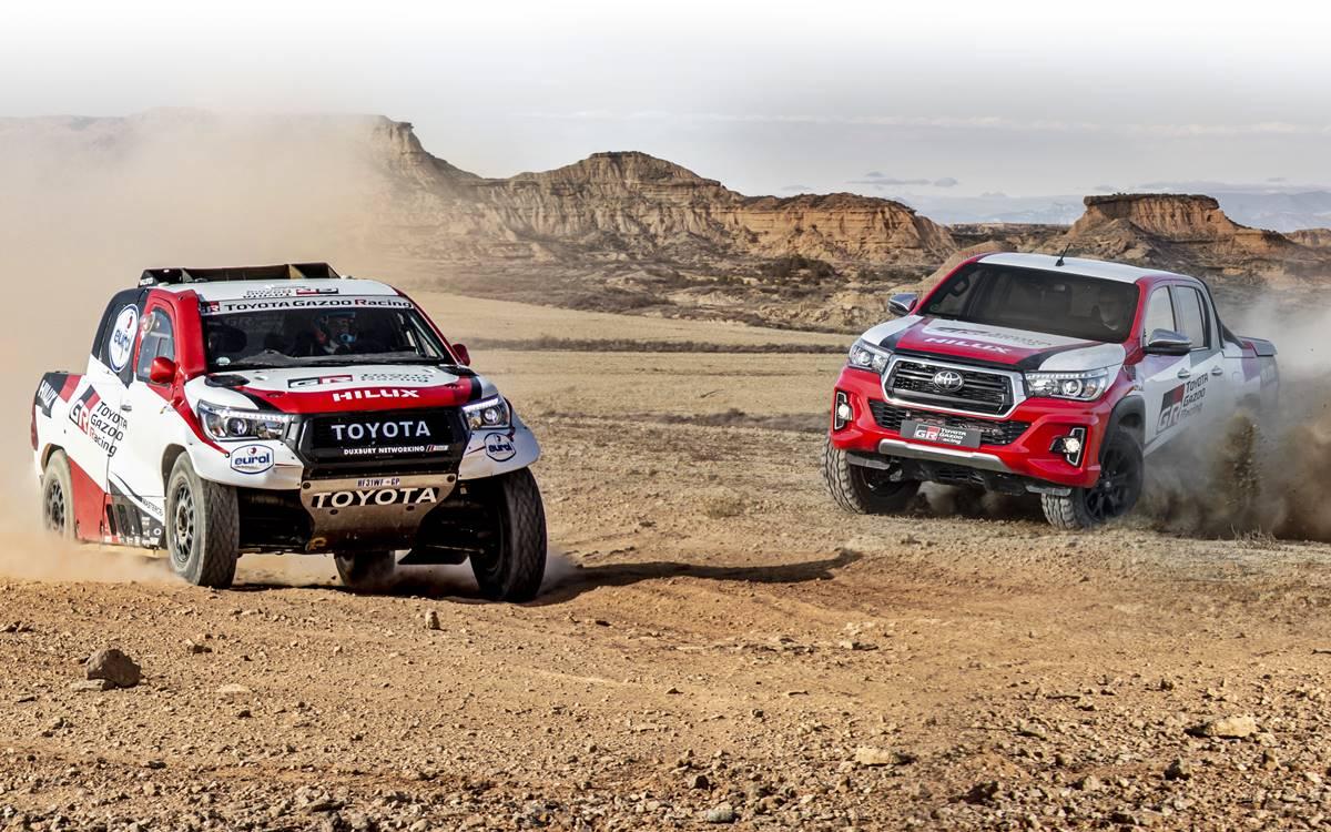 Frente a frente: Toyota Hilux del Dakar vs. Toyota Hilux de calle