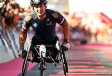 Photo of Alex Zanardi permanece estable