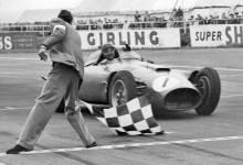 Photo of Ni Schumacher, ni Hamilton… Fangio, el mejor de todos los tiempos