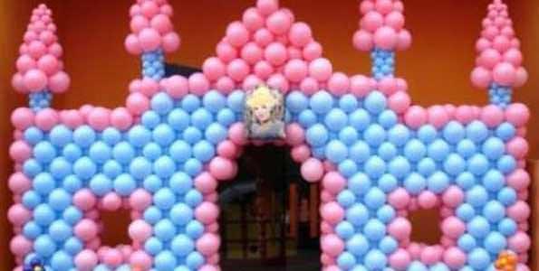 Decoração com bexigas - Casa de boneca