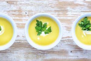 Receita da sopa detox para você emagrecer rapidamente com saúde