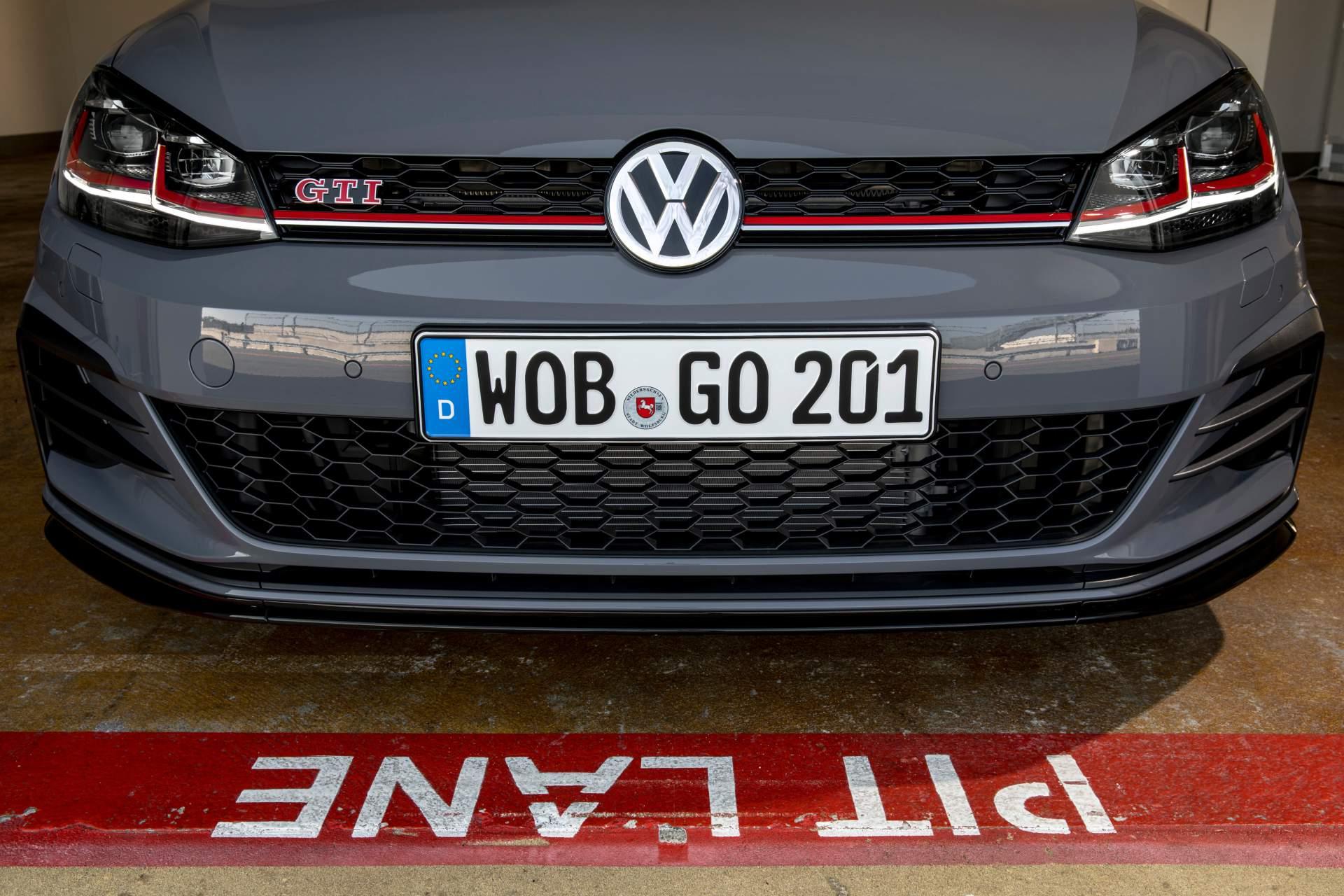 VW Golf GTI TCR