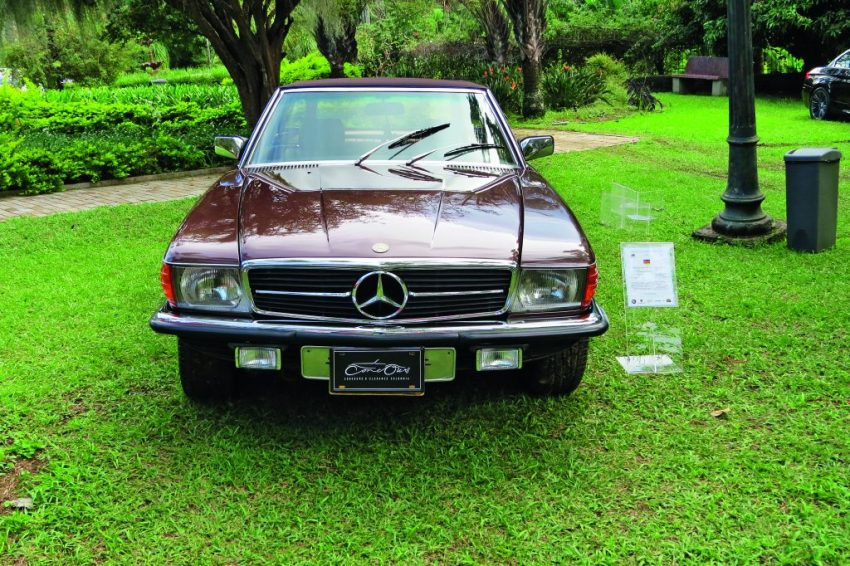 Mercedes-Benz-280-SL-1980